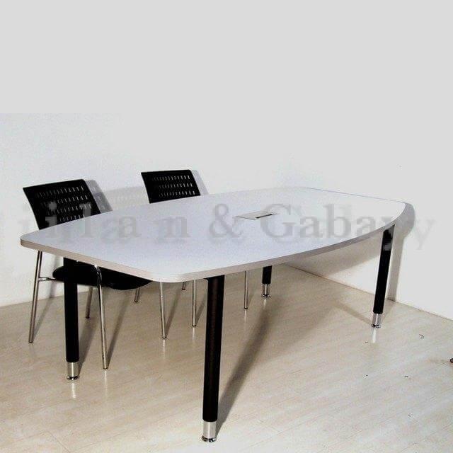 BRENTON-M שולחן ישיבות אלגנטי