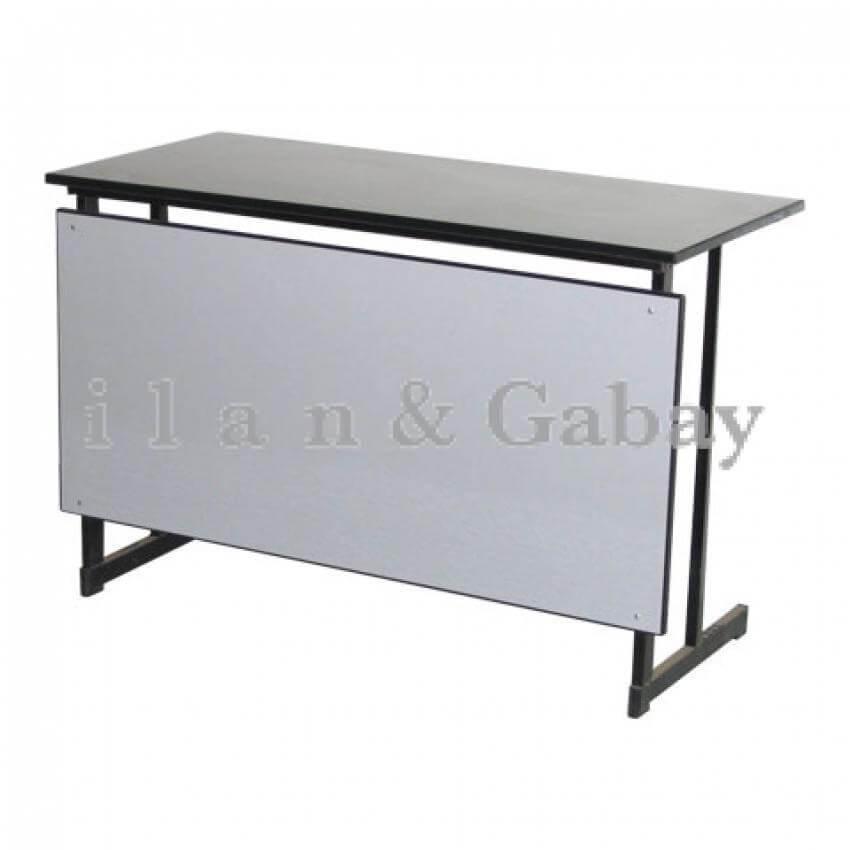שולחן מורים