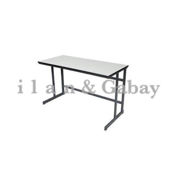 שולחן עבודה לתלמיד