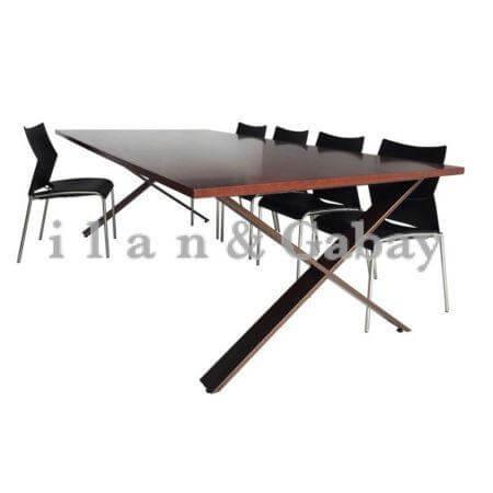 TOMMY שולחן ישיבות מעוצב