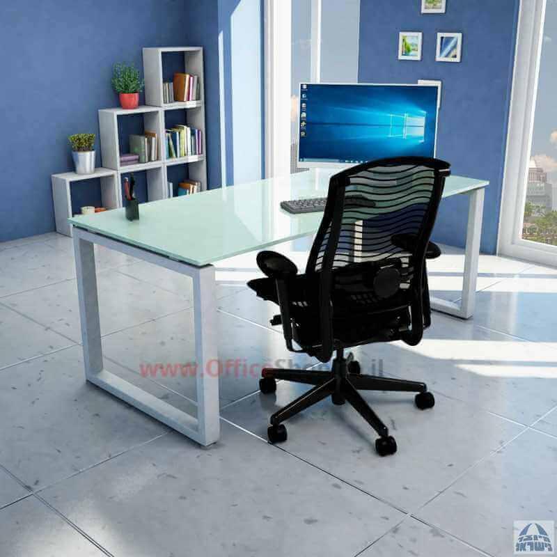 עבודות נגרות בהתאמה אישית עם שולחן זכוכית