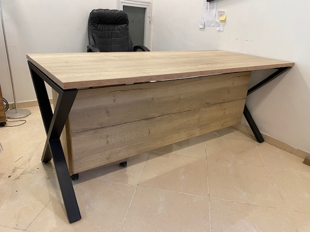 שולחן רגל איקס